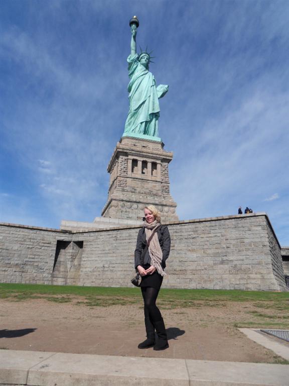 Laura bij het vrijheidsbeeld