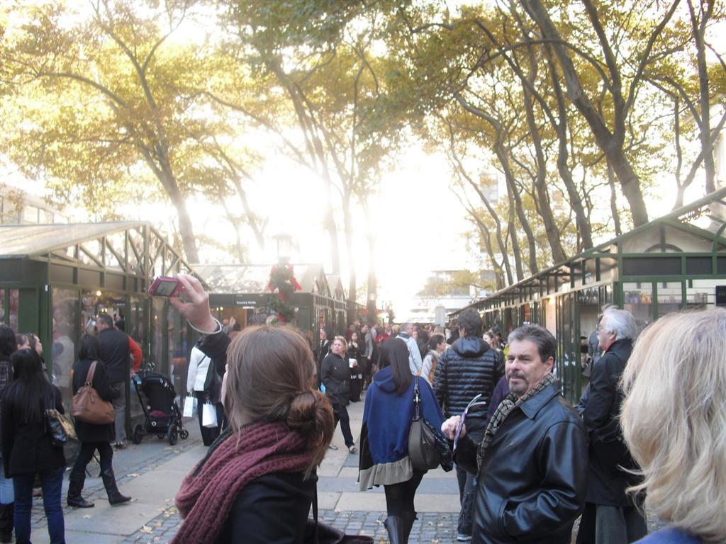 Aukje maakt foto van de kerstmarkt