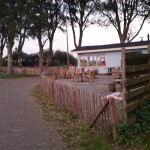 Andere kant terras picknickers