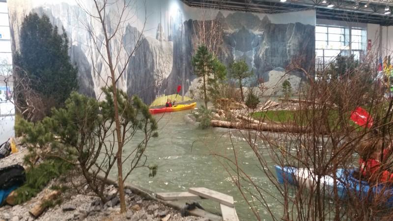 Boot Dusseldorf kanoe corner