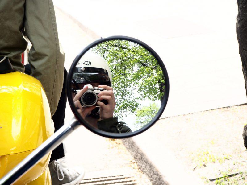 Vespa Mirror Selfie Stockholm