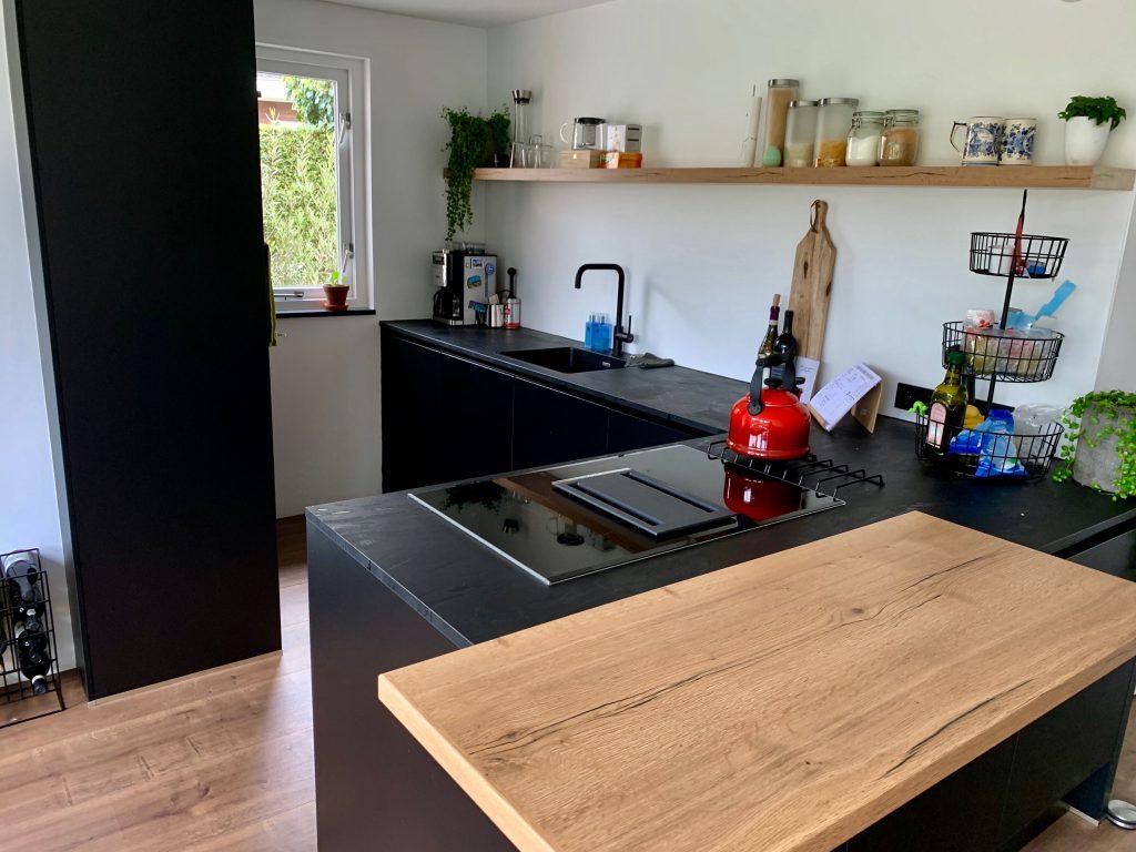 Interior: De mat zwarte keuken