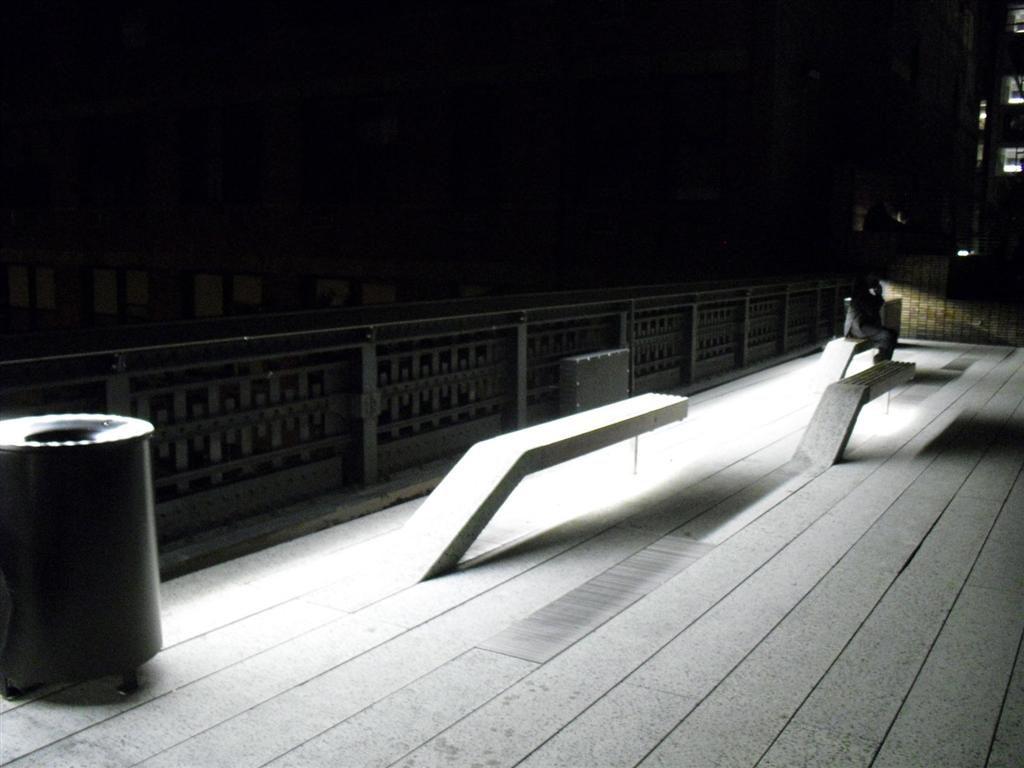 After the holiday I was broke - High Line Bankjes